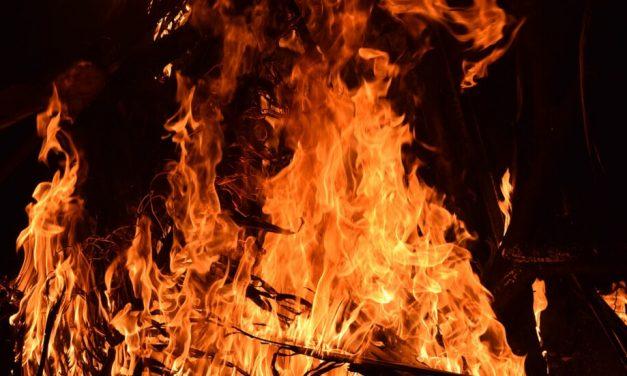 Велинградчани запалили апартамент на пазарджиклийка