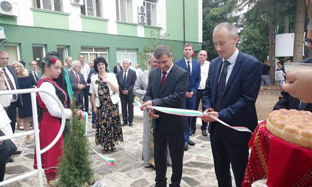 """НПГГС """"Христо Ботев""""-Велинград отбеляза тържествено 70 години от основаването си"""