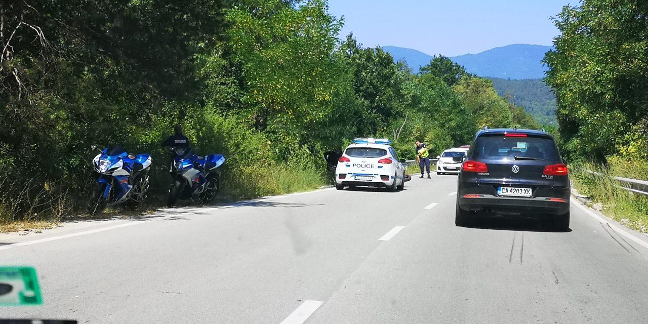 Мотоциклетист е пострадал при инцидент на пътя Варвара-Велинград.