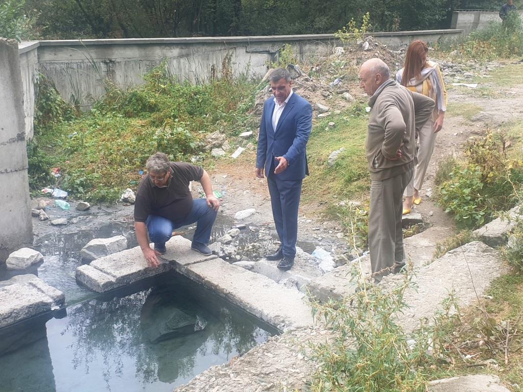 """Стартират дейностите по облагородяването на лечебните """"гьолчета"""" във Велинград"""