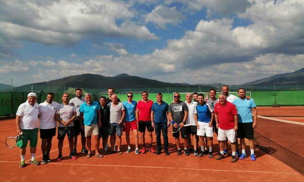 Велинградчани грабнаха купата при мъжете в Националното работническо първенство по тенис за аматьори