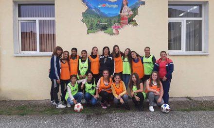 Едно голямо предизвикателство – за първи път в ученическите игри ще има среща между два дамски отбора по футбол