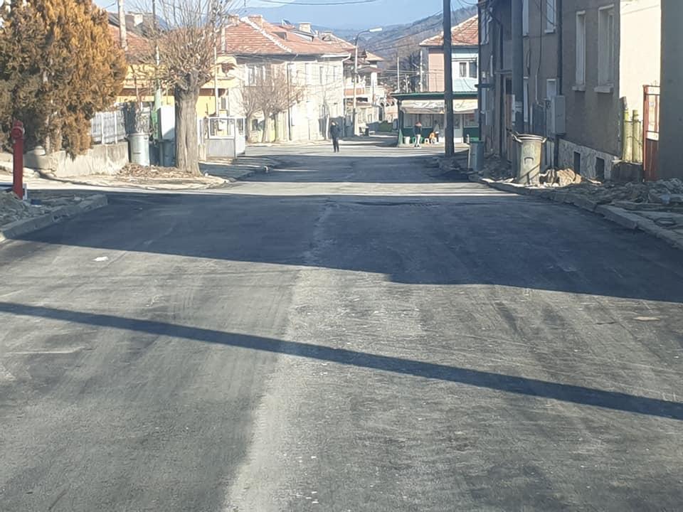 """Приключва асфалтирането на улица """"Буков дол"""""""