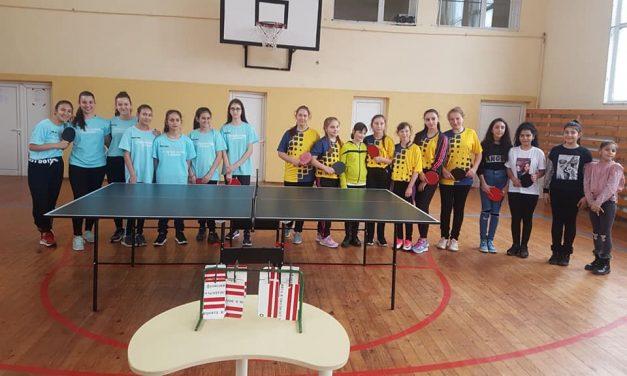 Ясни са победителите в УСИ по тенис на маса при момичетата