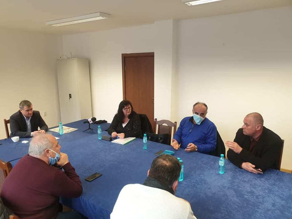 Проведе се среща между кмета д-р Коев и директорите на двете болници във Велинград