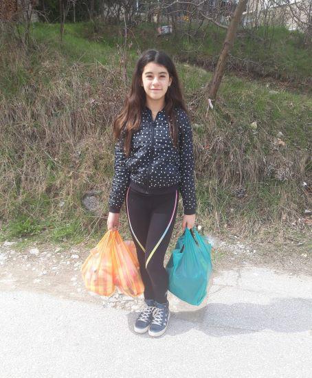 Доброто го има: 12- годишната Александрина дари наградата си на нуждаещи се хора