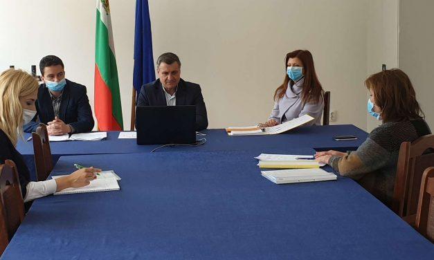 Администрацията на Община Велинград бе намалена с 22-ма души