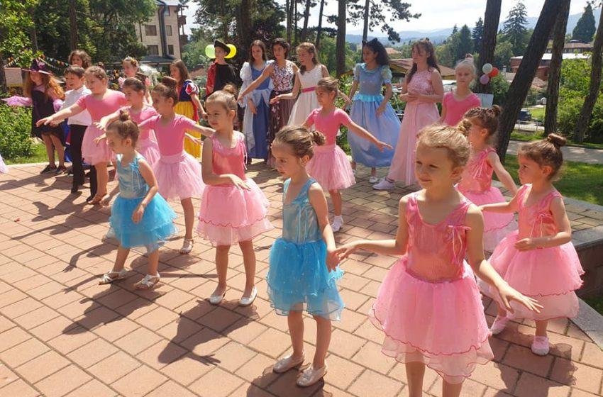 """С парад на приказни герои приключи конкурсът """"Моят роден град-Велинград"""""""