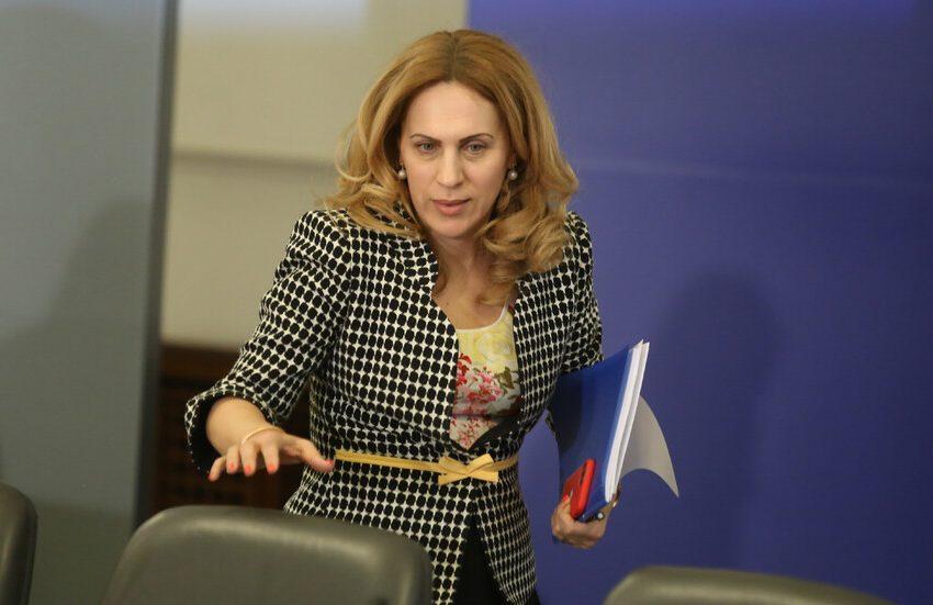 Вицепремиерът и министър на туризма Марияна Николова посети Белодробната болница във Велинград