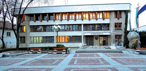 След данъците община Велинград вдига наемите и услугите