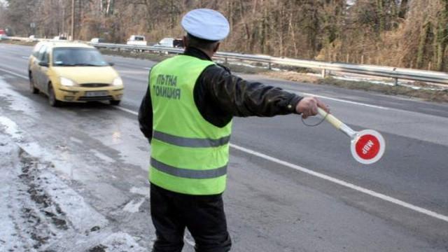 Допълнителни полицейски патрули по пътищата за празниците и жандармерия за обществения ред