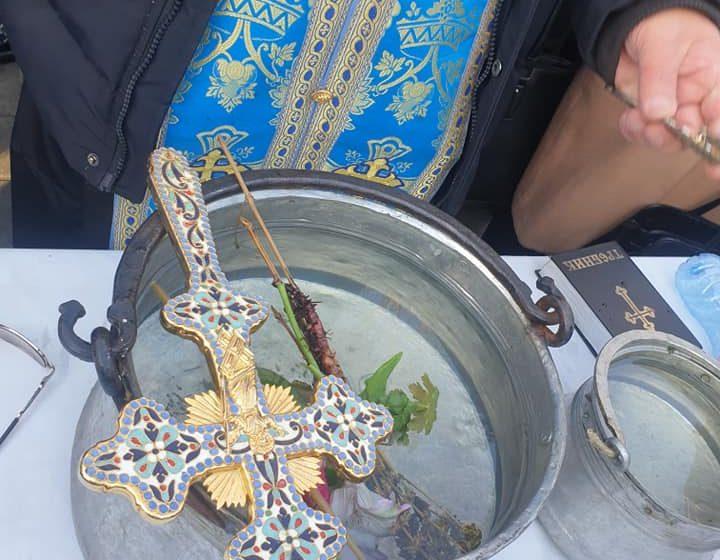Младежи на 17, 20 и 29 години извадиха трите Богоявленски кръста във Велинград