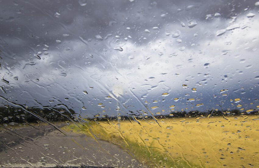 Силни валежи в област Пазарджик. Отводнявани са къщи в с. Дорково, Велинград и в с. Света Петка