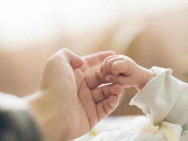 8 януари – празник посветен на бабите-акушерки и Денят на родилната помощ – Бабинден