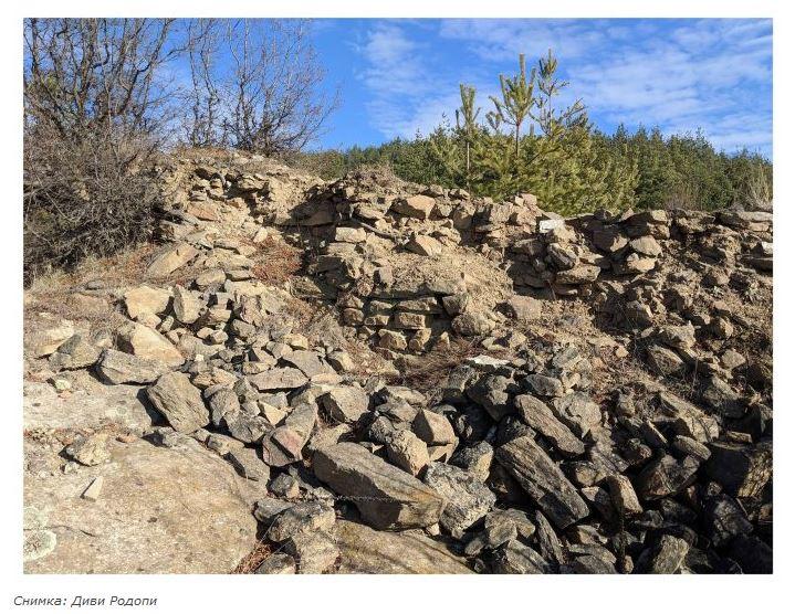 За тракийските светилища в Родопите: Алков камък край гр. Костандово