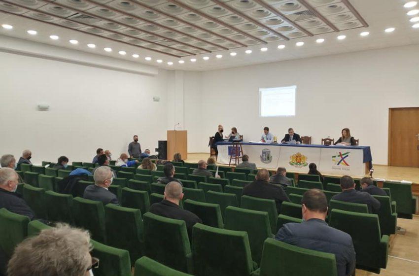 Сесия на ОбС-Велинград в присъствието на 28 съветници и взети решения по 35 точки