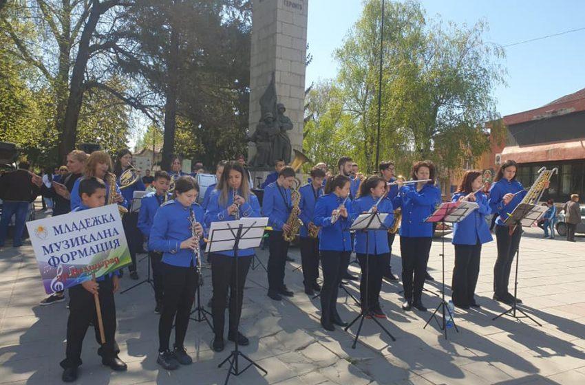 Велинград тържествено отбеляза Деня на храбростта и празник на Българската армия- Гергьовден
