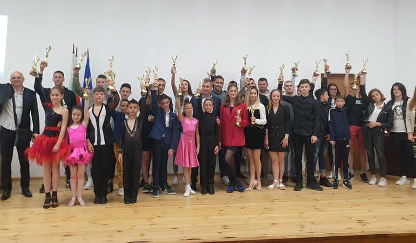 На тържествена церемония община Велинград награди най-добрите си спортисти за 2020-та година