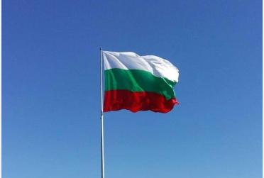 """Българското знаме ще посреща велинградчани и гости на курорта – подарък от """"Офроуд клуб 4х4Велинград"""""""