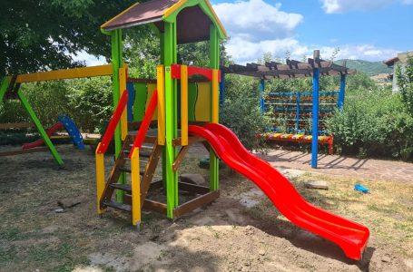 Бяха поставени съоръжения в парковете в гр. Костандово и с. Дорково