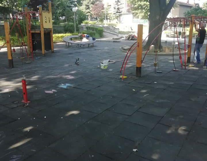 Започва подмяната на опасните детски съоръжения в парковете
