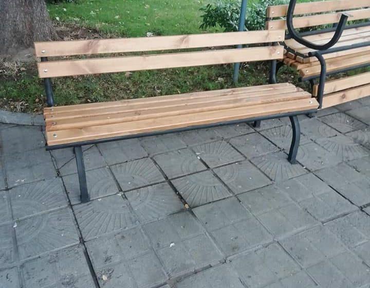 Започва поетапна подмяна на пейките във велинградските паркове